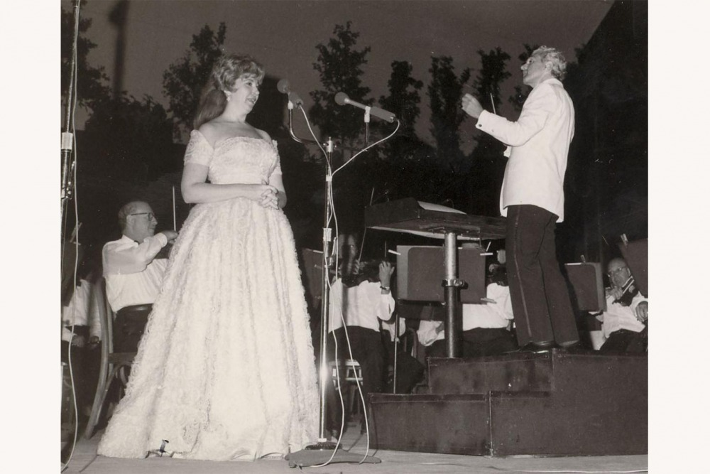 Beverly Sills sings at the Robin Hood Dell.