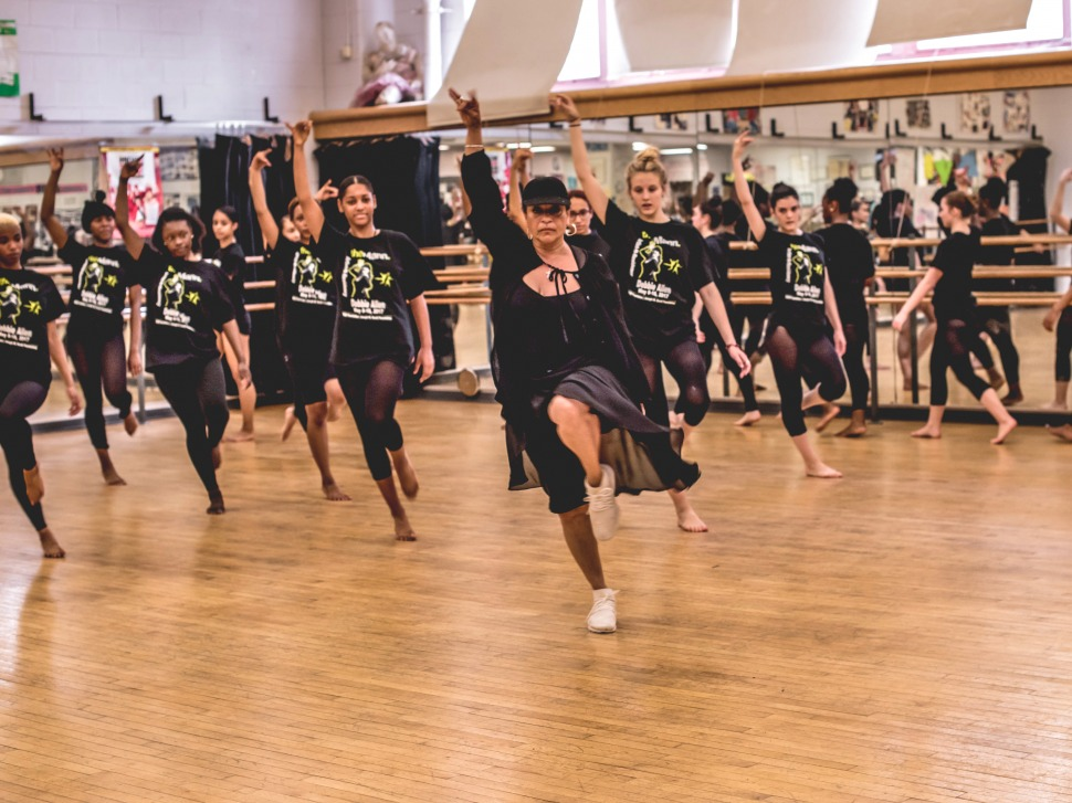 Photograph of Debbie Allen's immersive dance class