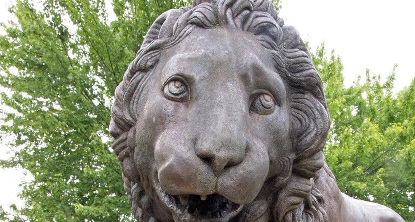 Lions photo / Bartram's Garden